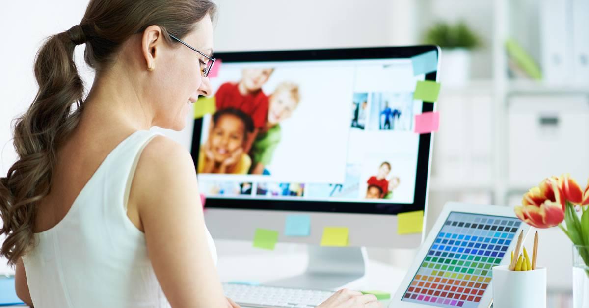 lady designing website